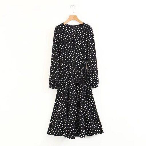 robe a pois noire et blanche