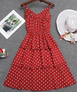 la robe rouge a petits pois