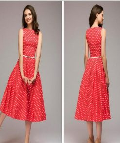 Robe rouge a pois annee 50